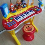 歌う息子がとても楽しそうで買った「アンパンマン NEW いっしょにステージミュージックショー」