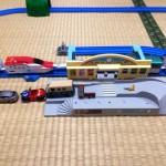 プラレール 連結!E5系「はやぶさ」&トミカ駅前ロータリーセット