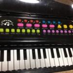 リズム遊びも出来るピアノ