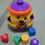 おやつを食べているとき息子が突然「yummy」といってびっくりしたのはこのおもちゃのせいだった!